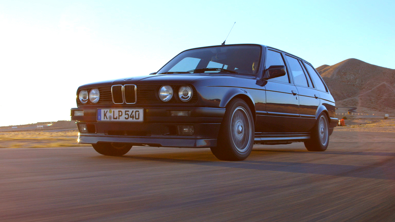 BMW E30 325i – Sorry M3, it's the 325i's time to Shine!