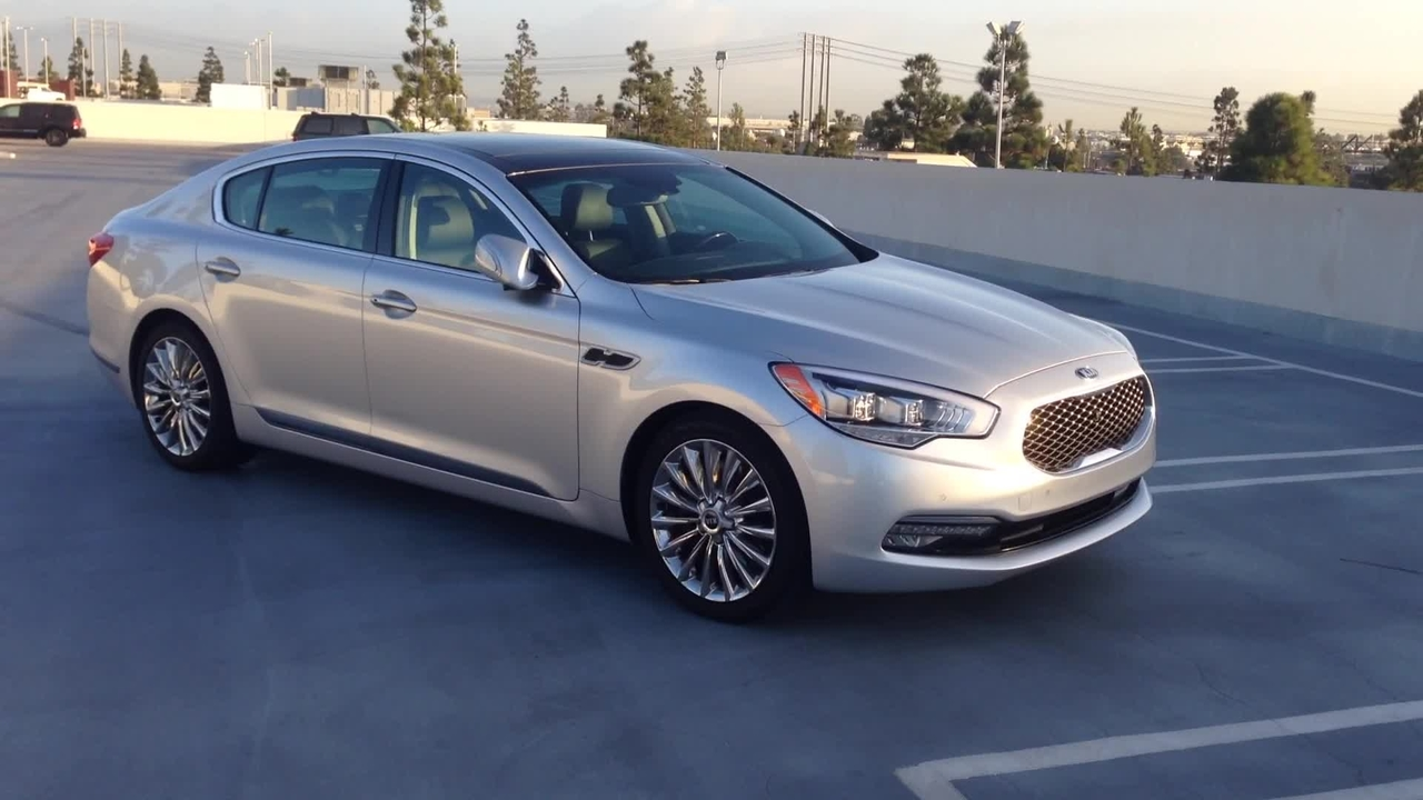 2015 Kia K900 V-8 Walkaround Video