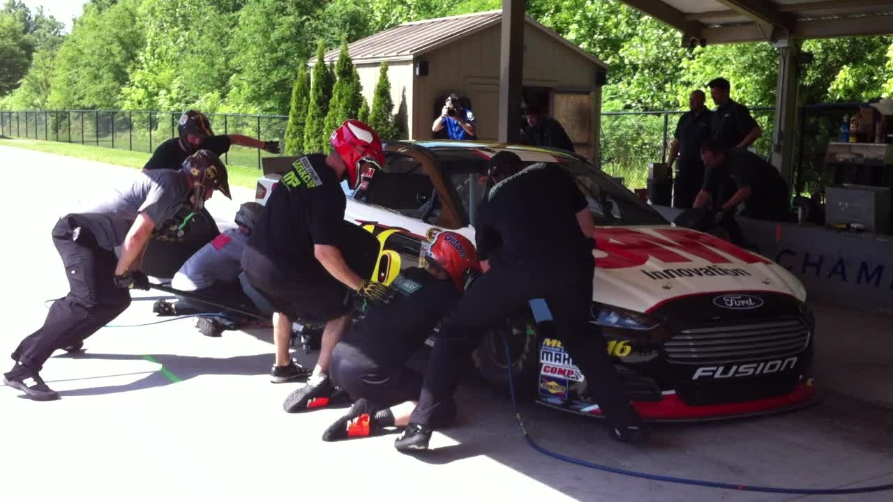 NASCAR Ford Fusion Practice Pit Stop