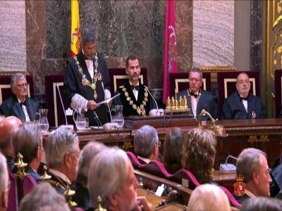 El presidente del Tribunal Supremo expresa el compromiso de los jueces para agilizar los casos de corrupción
