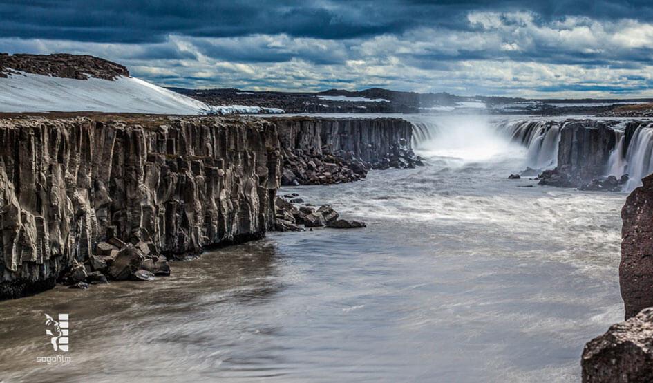 iceland-waterfall-5