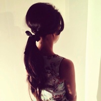 1960's inspired low ponytail